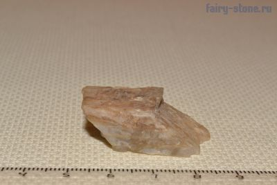 Лунный камень (адуляр, ортоклаз, полевой шпат)